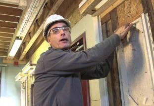 Window Trim (install vinyl siding) (PART 3 of 3) – video